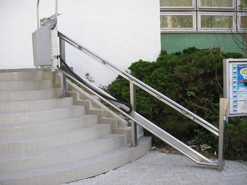 Želiezovce schodisková plošina pre imobilných
