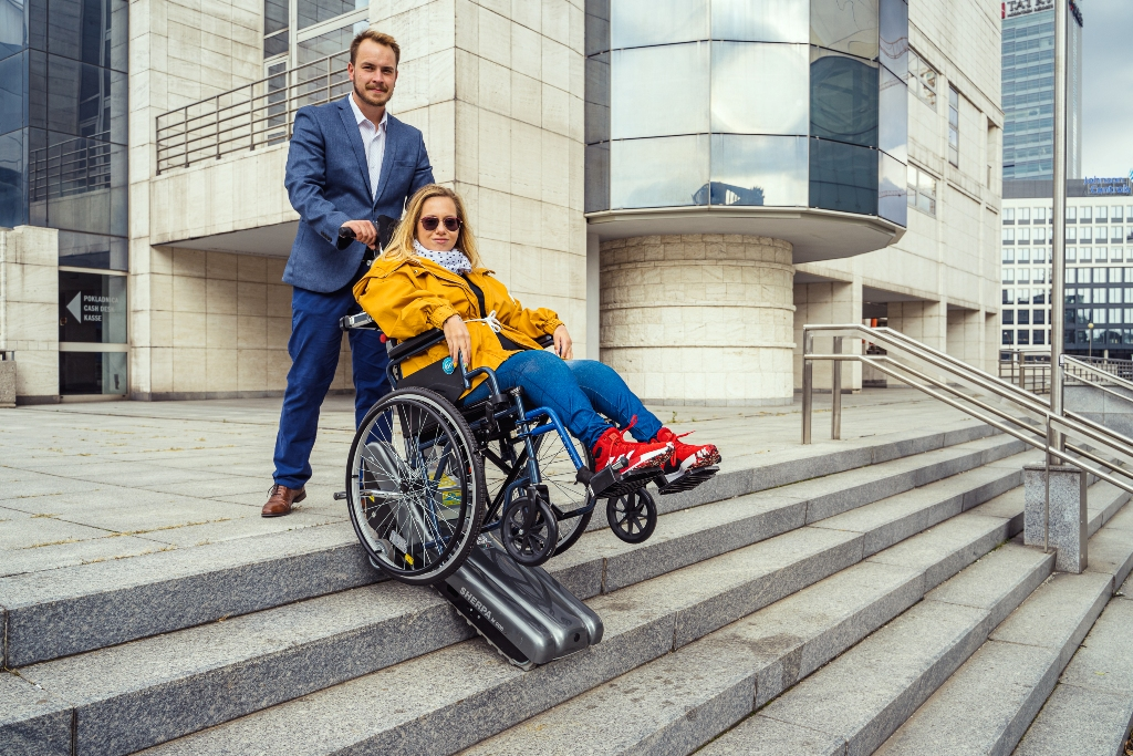 Schodolez mechanický vozík